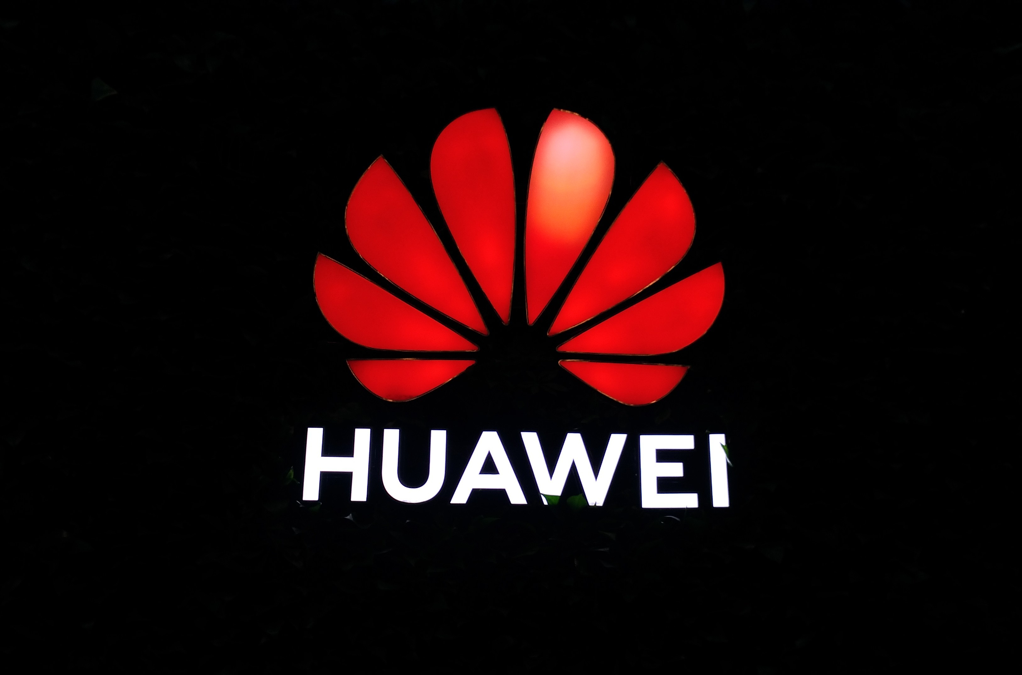 Breaking News: Huawei Acknowledges Trump's Allowing American Companies to Sell Again to Chinese Telecoms Giant