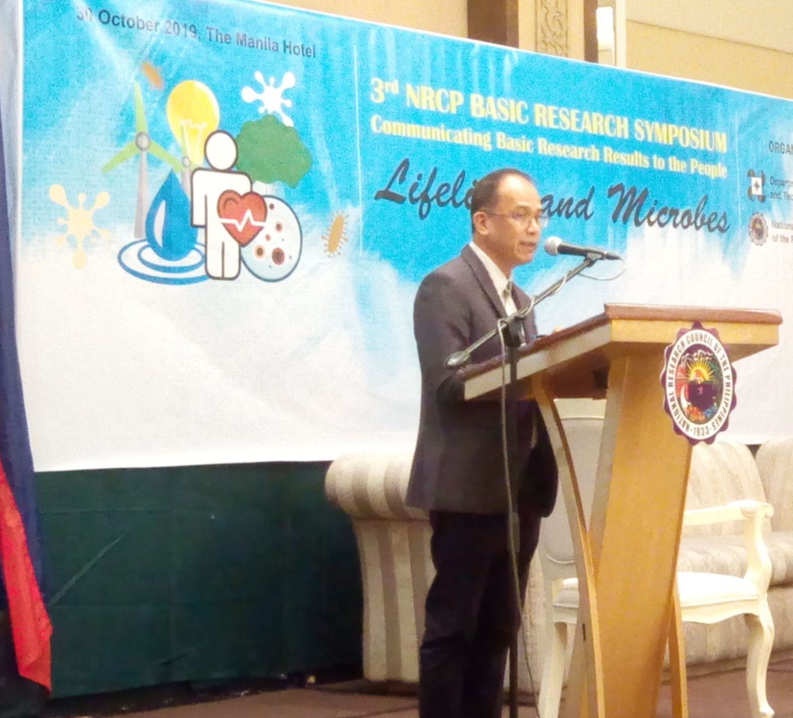 Moreno No Show, Misses Researchers' Company at DOST Event