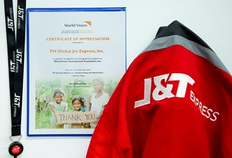 J&T Express, WorldVision, kids, Christmas, CSR