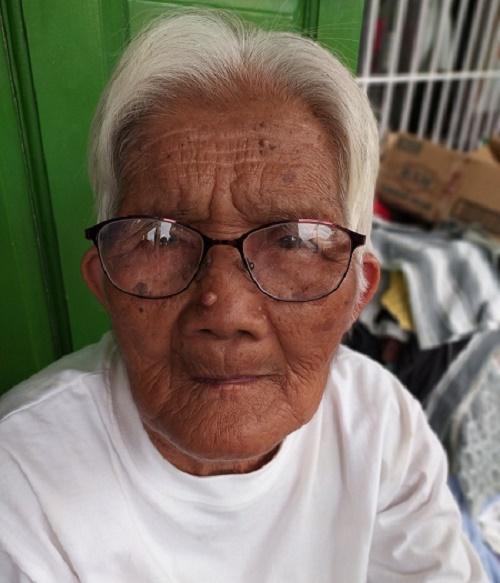 Ayala Foundation Helps 'Lola' Milagros, 84, Other Taal Evacuees